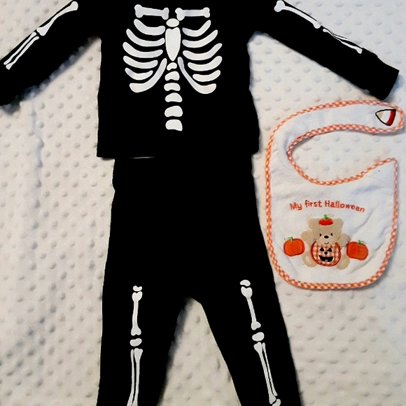 Baby Halloween outfit with bib